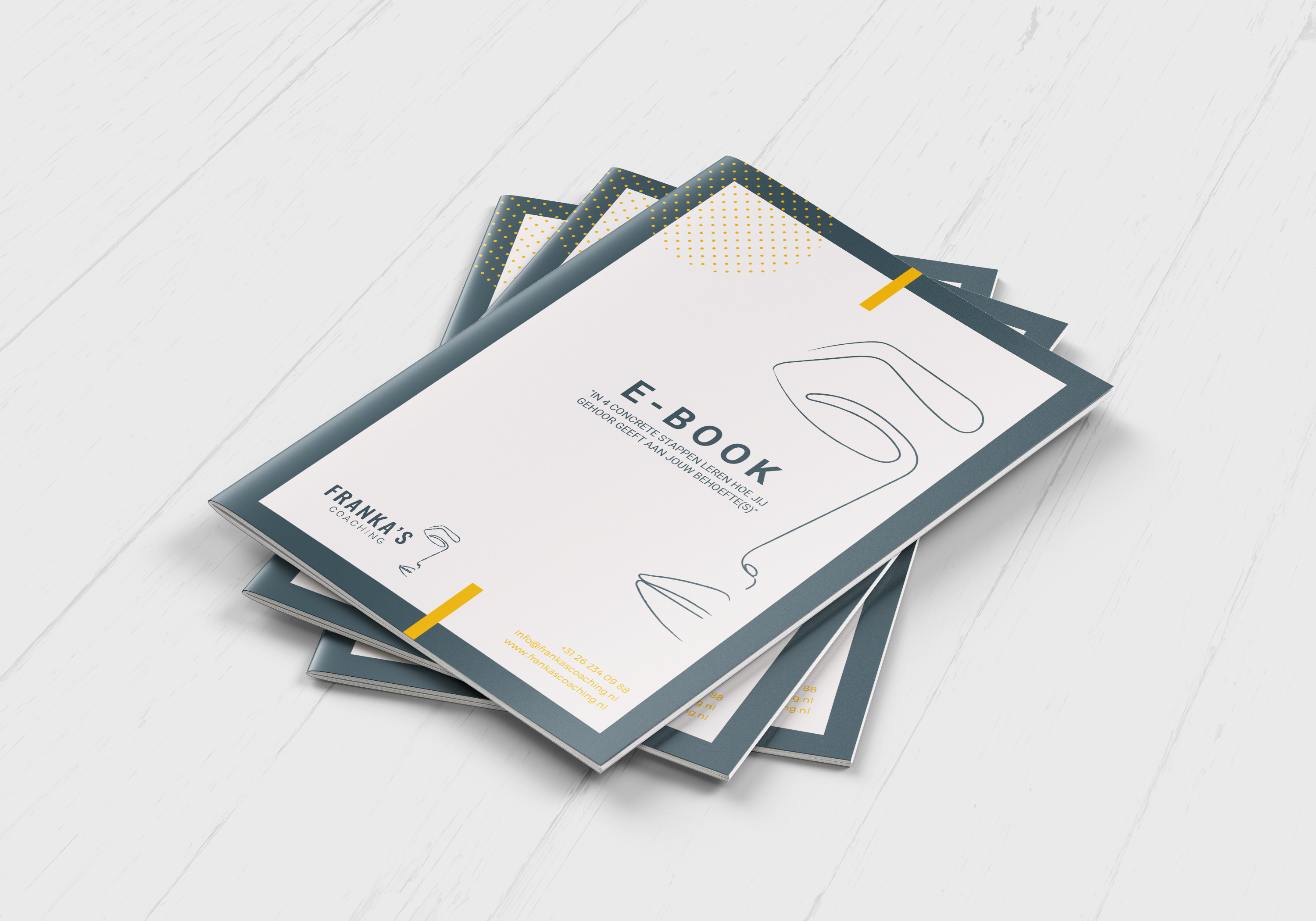 Franka's Coaching - e-book mockup - stapel - hout textuur achtergrond - def